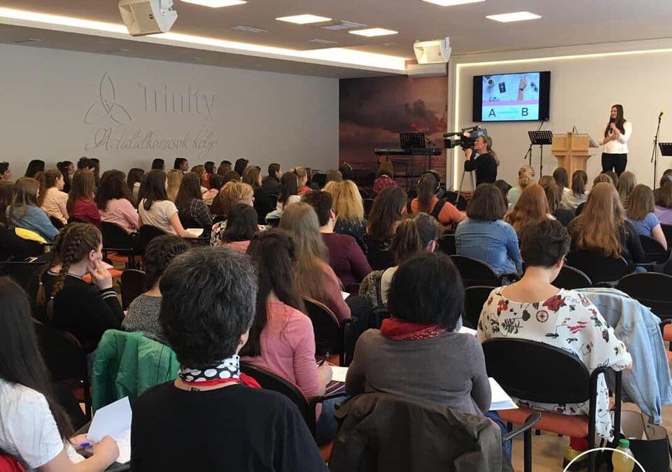 Előadás a Baptista Tinilány konferencián